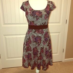 Dresses & Skirts - Dress size medium